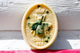 Queen Bee Soap with Manitoba Bee Pollen